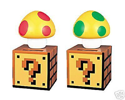 Nintendo Super MARIO BROS KINOKO  Pair of Solar Figures